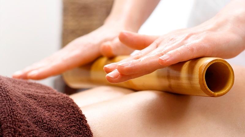 Caña de bambú para el masaje