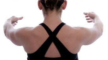 Postura de hombros en Pilates