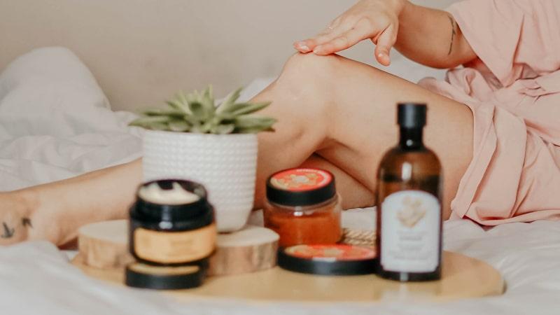 Botes de cremas y aceites de masaje