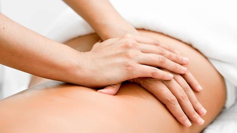 Drenaje linfático aplicado en la espalda