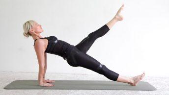 Mujer haciendo ejercicios de hot pilates