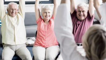 abuelos-ejercicio-animacion-min