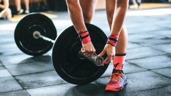 entrenamiento-fuerza-pesas-min