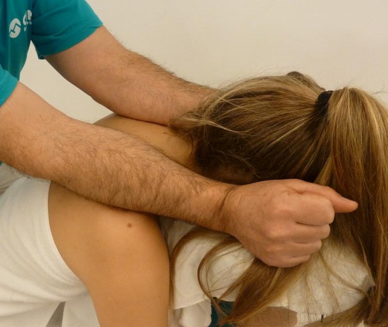 Paso 11 del masaje de cuello
