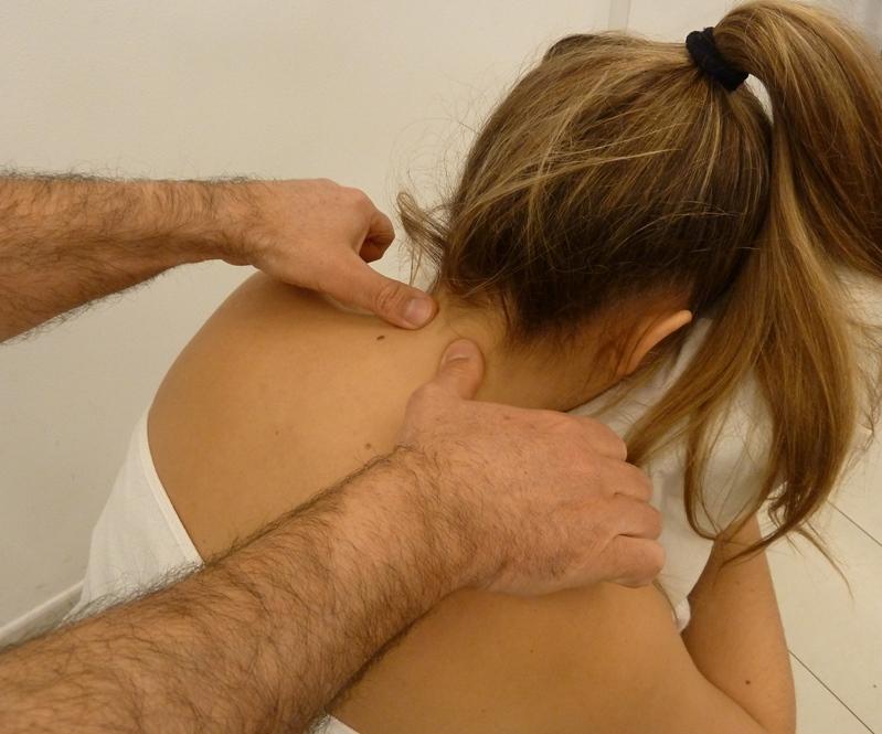 Paso 3 del masaje de cuello