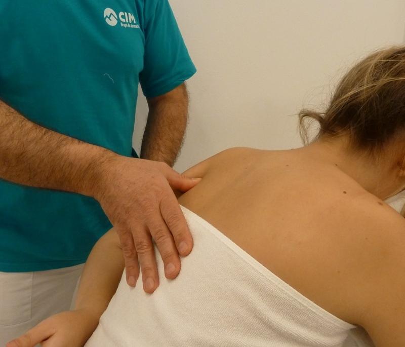Paso 7 del masaje de cuello