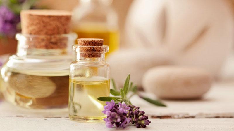 aceites esenciales y aromaterapia con lavanda