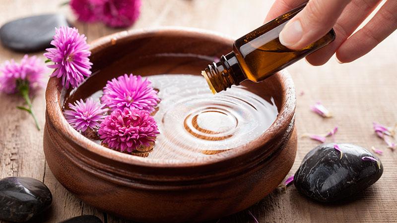 Aromaterapia con aceites esenciales