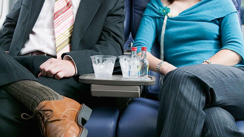 Beber alcohol en el avión