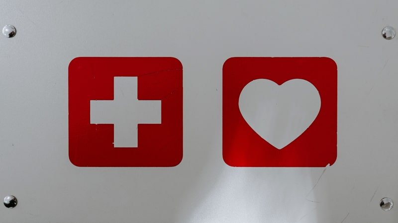 botiquin-avion-min|botiquin medico de emergencia|kit medico de emergencia