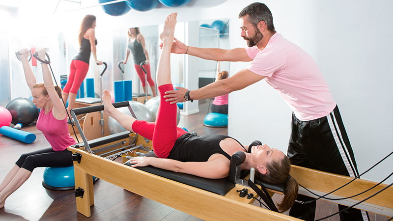 clase-de-Pilates-Reformer|Pilates-Reformer-maquina