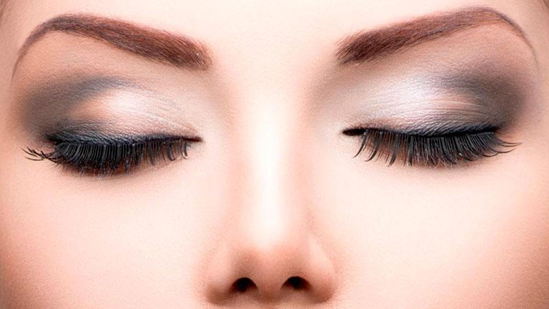 Correcciones con el maquillaje de ojos