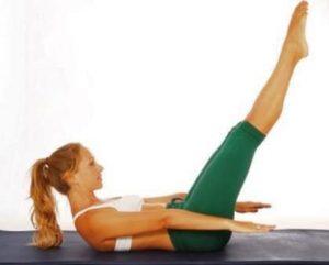 Ejercicio Pilates suelo para fortalecer cuello