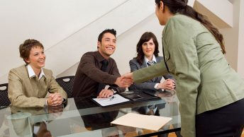 entrevista-de-trabajo-como-TCP esperando-para-entrevista-de-trabajo
