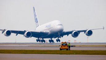 El avión más grande tiene la misma estructura que el más pequeño