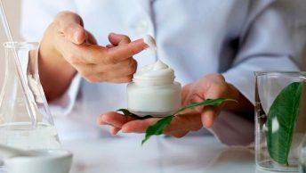 fabricacion-cosmeticos-min|manicura-sesion-min