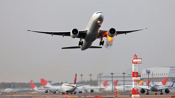 fuego-en-pleno-vuelo|fuego-en-el-avion|simulacion-apagar-incendio