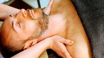 hombre-sesion-masaje