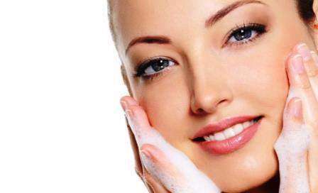 limpieza-de-rostro tratamiento-de-belleza limpieza-de-cutis