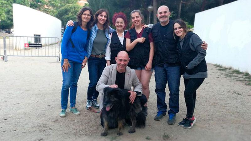 Manuel Balibrea y alumnos de CIM Formación en el taller de educación canina urbana en Barcelona