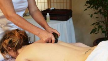 masaje con piedras calientes|masajista piedras calientes|piedras calientes|masaje-piedras-calientes