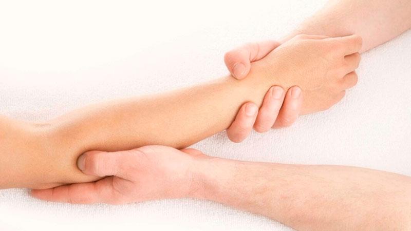 Masaje deportivo para tendinitis