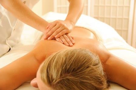masaje en espalda|masaje de pies|masajista|masaje