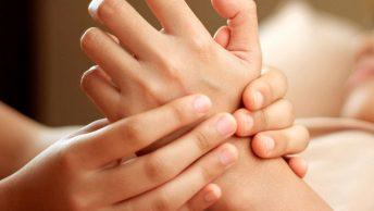 Masaje metamórfico en las manos