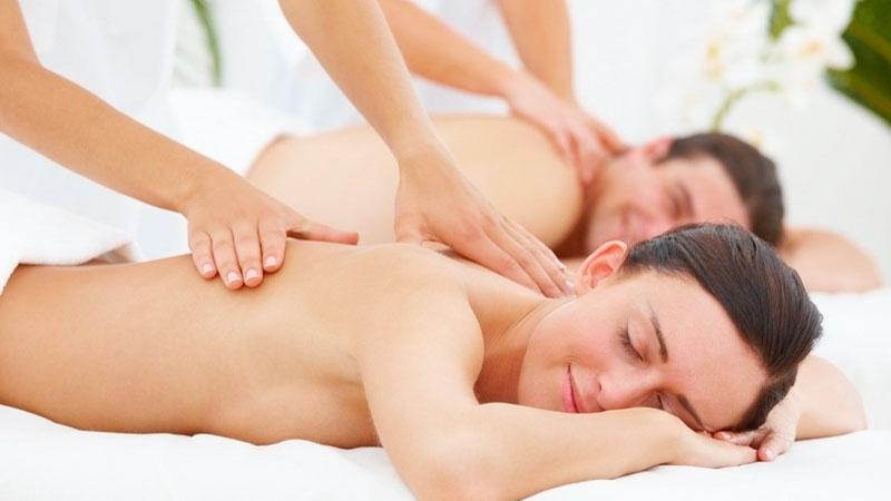 masaje-para-mejorar-la-salud-sexual|pareja-cogida-de-la-mano