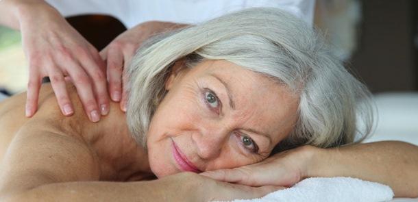 El masaje en la tercera edad: ¿cuándo sí y cuándo no? 2