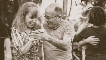 mayores-bailando
