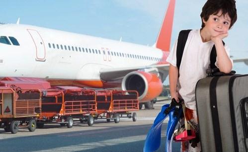 menores viajan solos en avion|menor UM solo en avion|UM menores avion