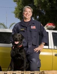 Ron Horetski y su socia Pearl se dedican a labores de búsqueda y rescate de personas desaparecidas.