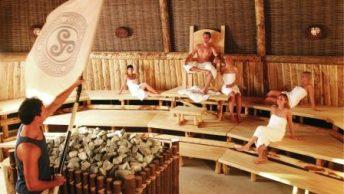 personas en sauna|mujer en sauna|sauna 2|sauna