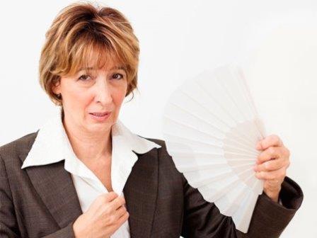 sofocos-calores-sintomas-menopausia|comida-sana|ejercicio-aliviar-la-menopausia|verdura