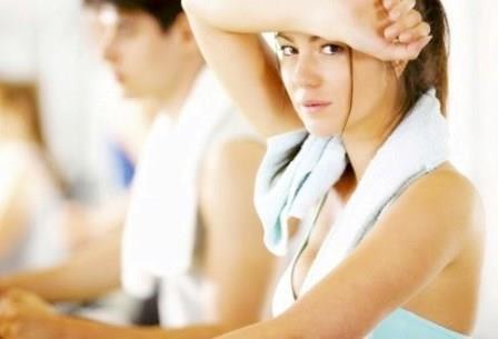 sudar al practicar ciclo indoor practicar ciclo indoor