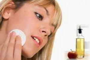 Tratamiento casero del acné con vinagre de manzana