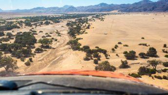 vuelo-desierto-namibia-min