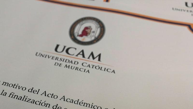 Recorte de un título universitario de la UCAM