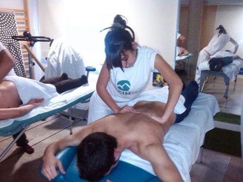 noticias cim general cim barcelona quiromasaje salud y bienestar Quiromasajistas de CIM realizan masajes en la Associació Esclat