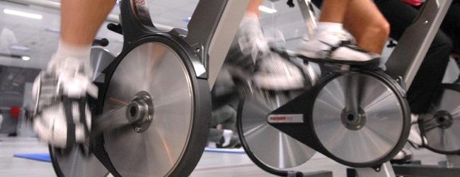 Pedaleo-detalle-ciclo-indoor-CIM-Formacion