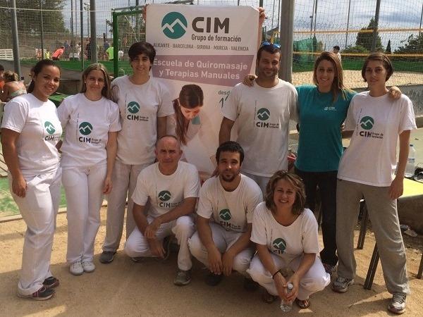 Masajistas de CIM Formación colaboran en el V Torneo de Vòlei Platja Lourdes 14