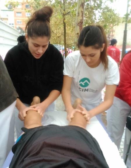 """Masajistas de CIM Valencia en la Vuelta a Pie Solidaria """"Es Posible"""" 6"""