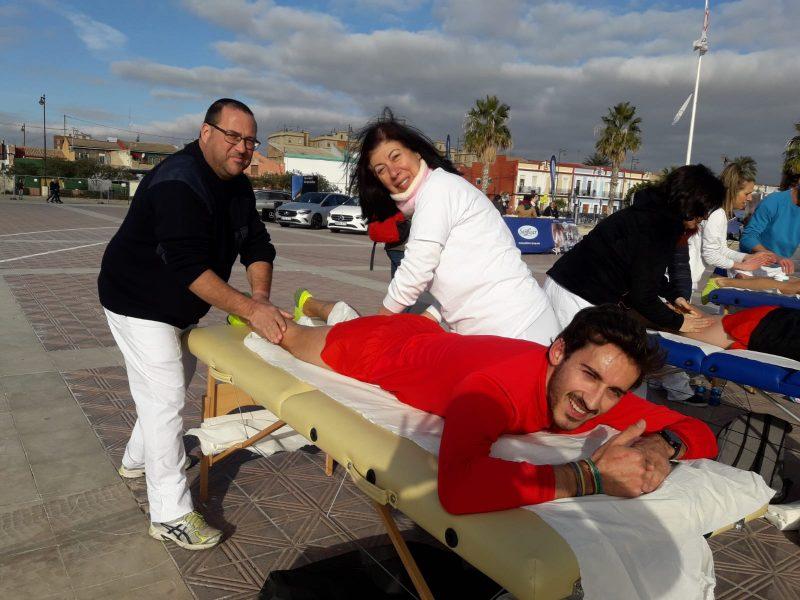 Alumno de quiromasaje en CIM Formación de prácticas en la 15K Abierta al mar
