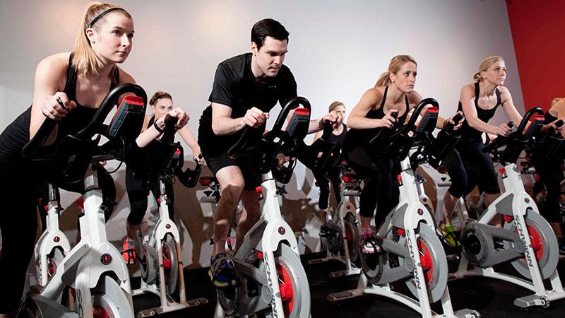 ciclo indoor deportiva Activación muscular en entrenamiento ciclo indoor