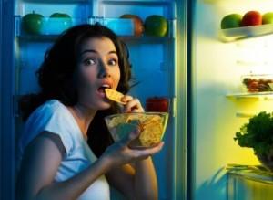 naturopatia salud y bienestar salud y bienestar ¿Qué alimentos se deben evitar por la noche para adelgazar?
