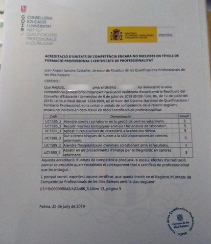 Dos alumnas de CIM acreditan sus competencias de auxiliar veterinario en Baleares 2