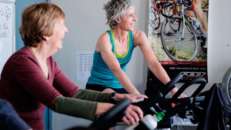 Ciclo indoor para mejorar síntomas del Parkinson